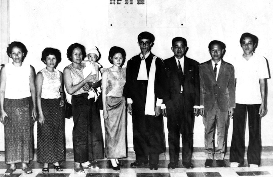 Som Sila and Lam Séna, Students